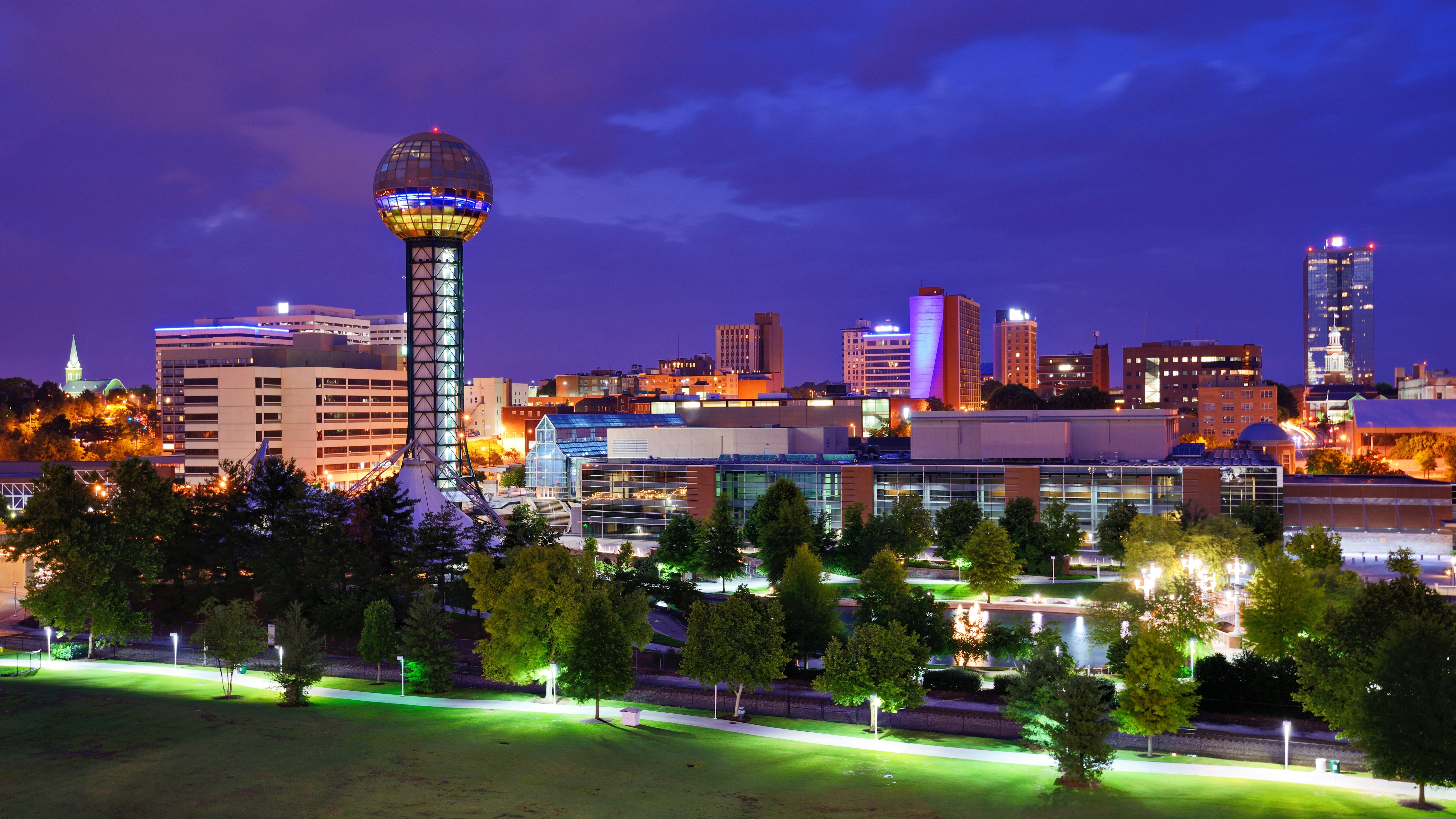 KNOXVILLE, TENNESSEE   WJXB, MIX 97.5
